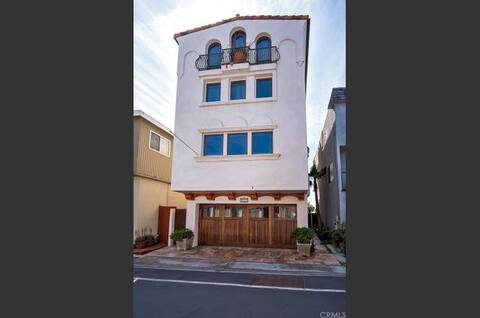 Gorgeous Mediterranean Home - Surfside Colony