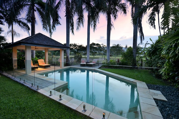 Thornton Palms   Luxury Port Douglas Villa