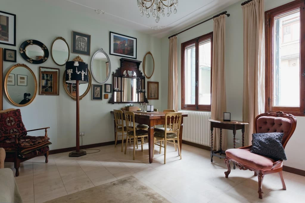 Canalside flat in central Venice - Apartments for Rent in ...