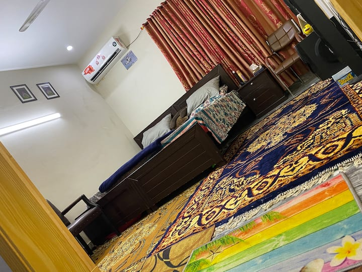 Furnished flat on daily basis