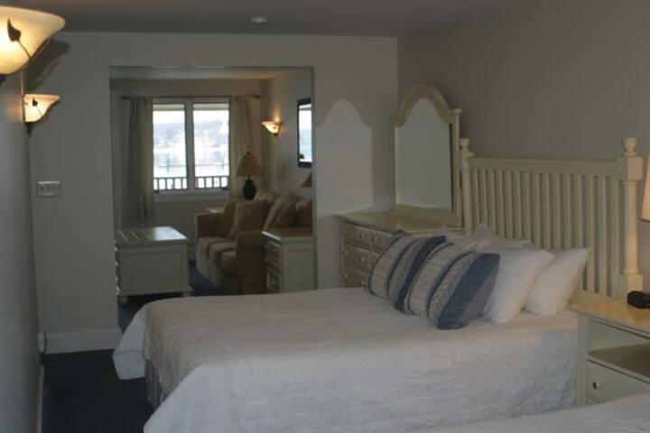 Sheepscot Harbour Village Resort - Suite 212
