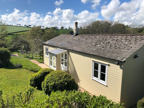 Devon country cottage, ideal for staying isolated.
