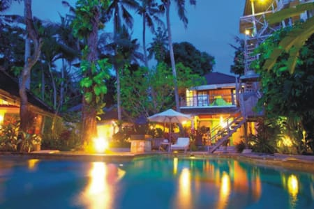 CHARMING TROPICAL OASIS IN SEMINYAK - Kuta - Villa