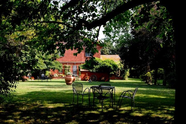 Guest House con cavalli e piscina