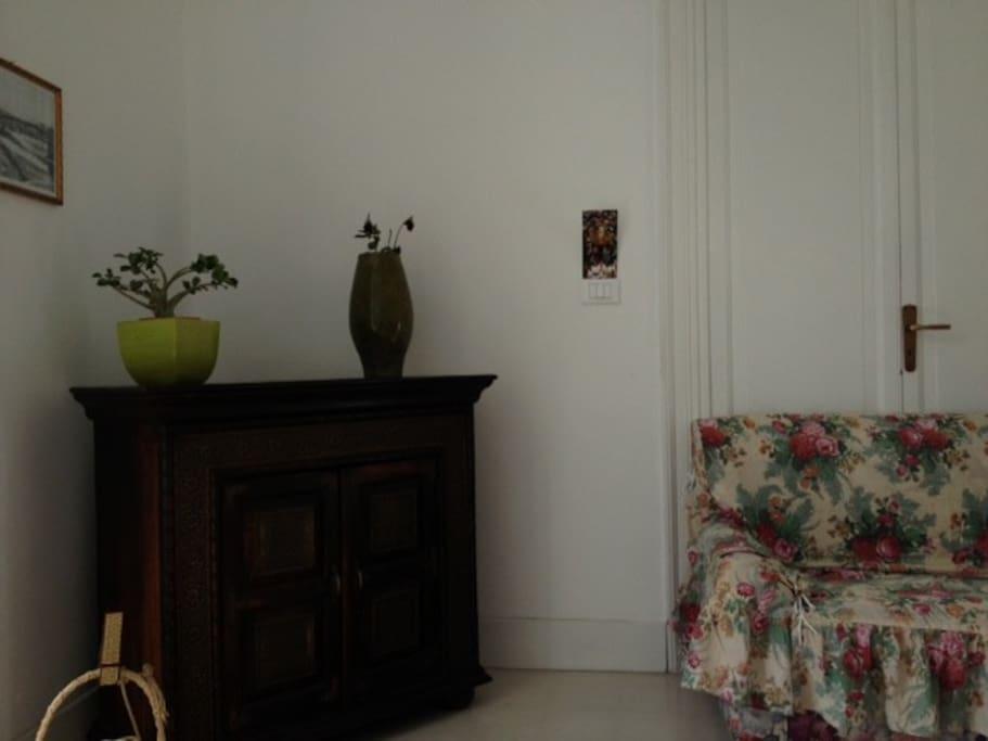 Un angolo della stanza