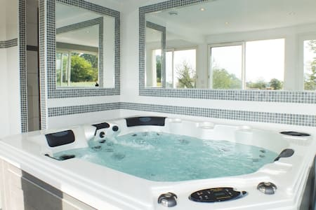 House with SPA, Hammam & S.POOL - Les Pennes-Mirabeau
