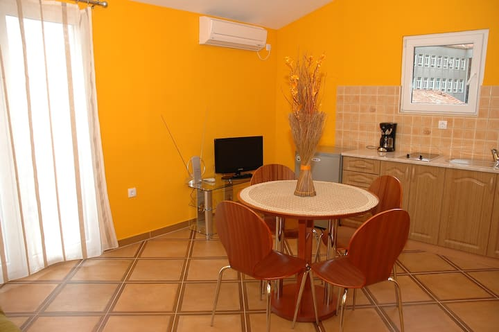 Beautiful Sea View Apartment Cukovic-2 Risan