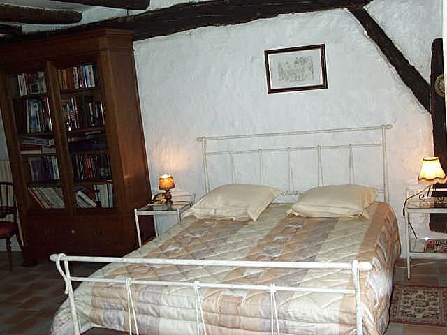 Chambre dans le vignoble du VOUVRAY