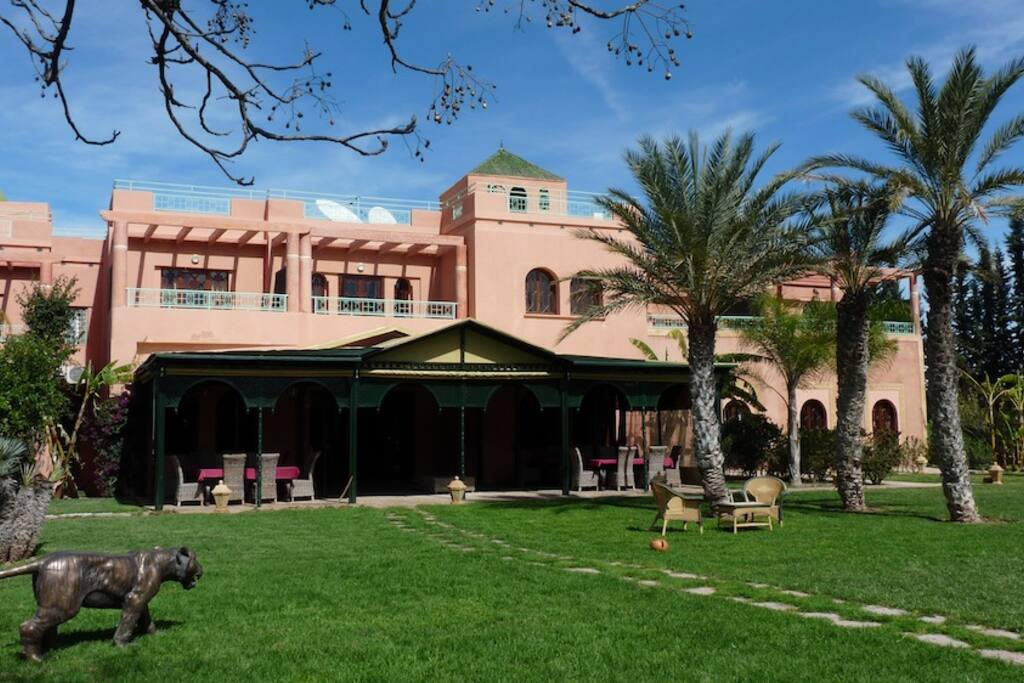 Somptueuse Villa Palace proche golf