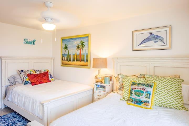 Endless Summer Room Double Queen beds Serta Perfect Sleeper Plush Mattresses