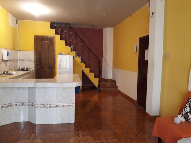 Se arriendan habitaciones MONTECRISTI/ECUADOR