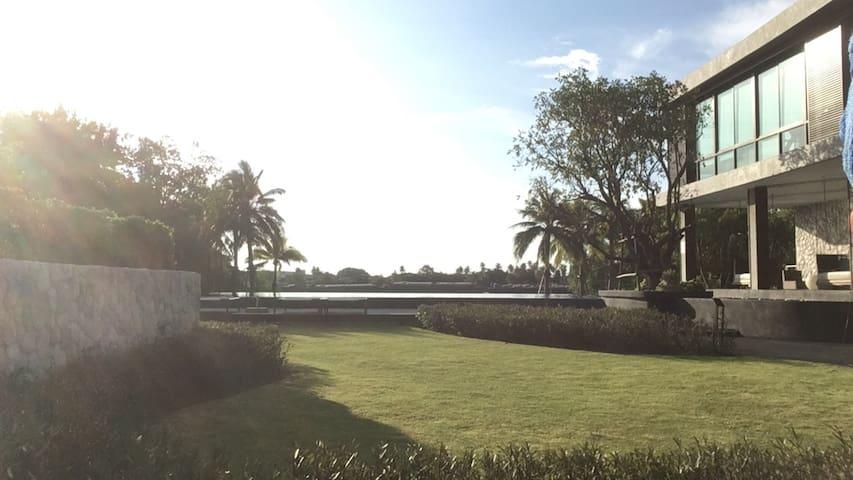 U D Light residence river front