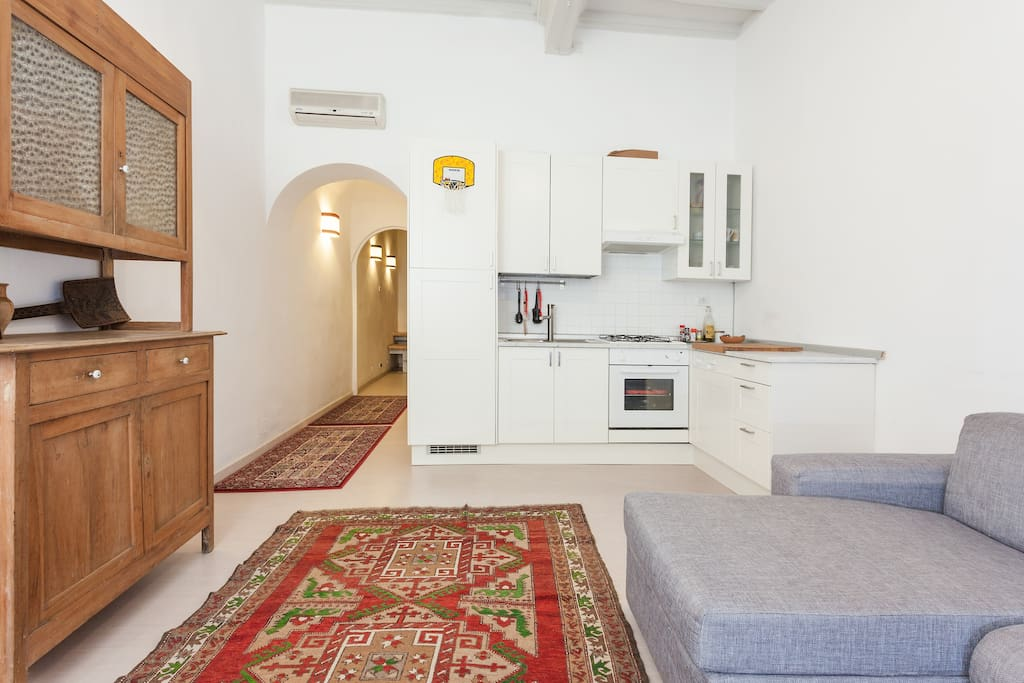 Cosy studio in the ancient rome apartments for rent in for Studio apartments in rome