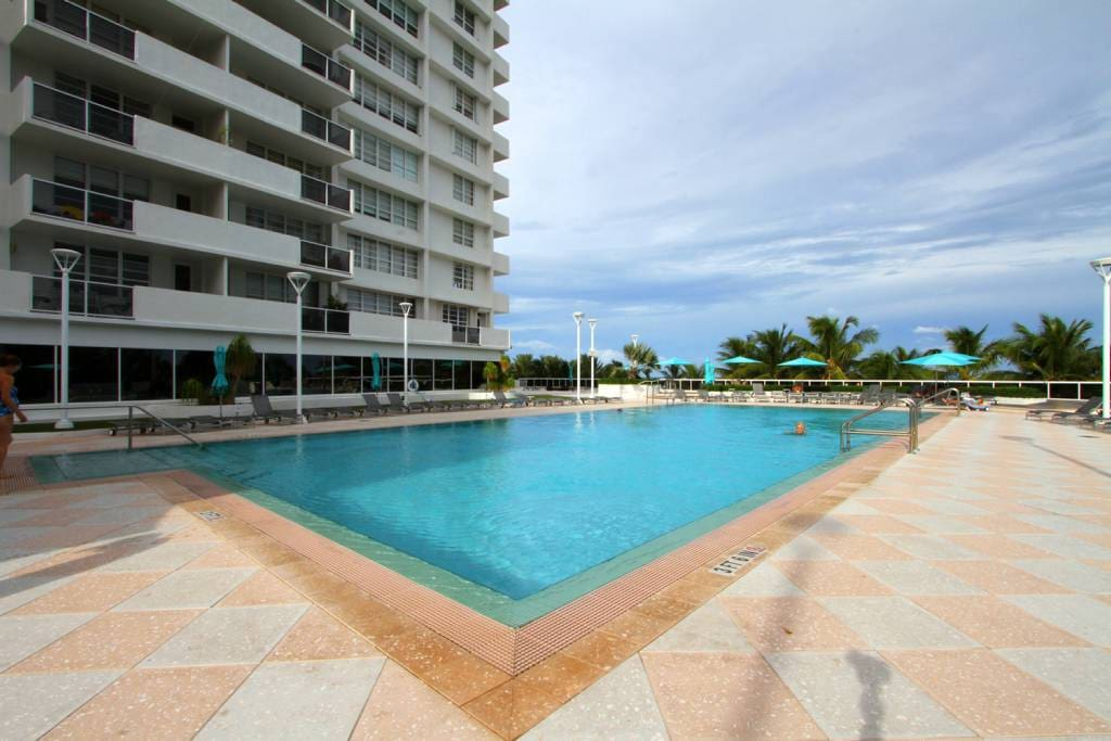 Luxury furnished studio decoplage appartements louer - Appartement de luxe miami beach m butler ...