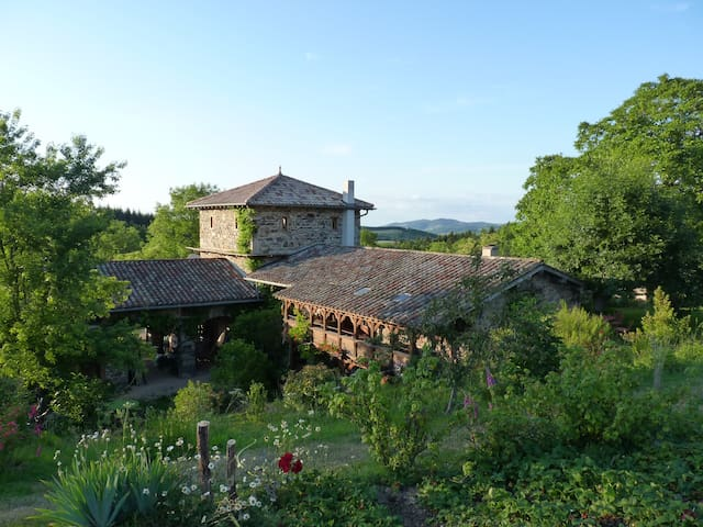 Welcome to the Beaujolais hills - Ouroux - Bed & Breakfast