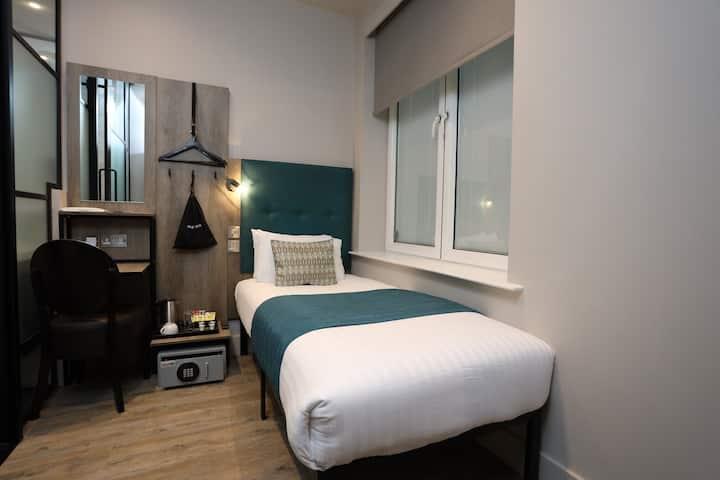 Euston Square Hotel, Standard Single Room (1SA)