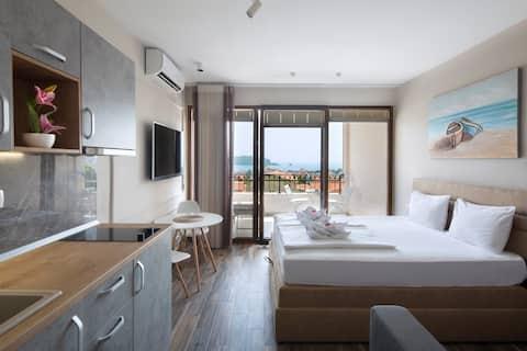 Top floor apart with pool & terrace & sea view #8