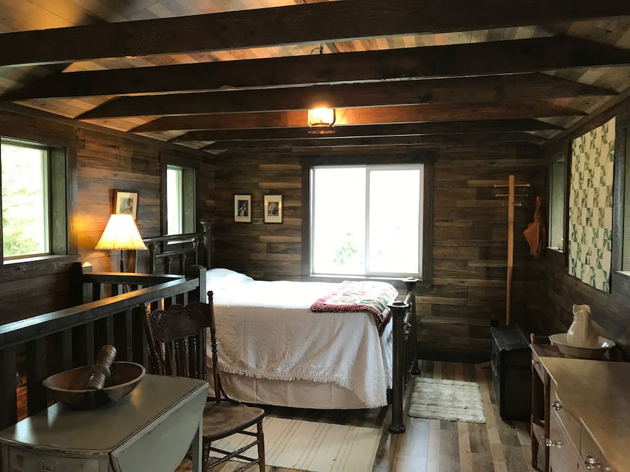 Pioneer Cabin with authentic antiques, 1880's Brass Bed