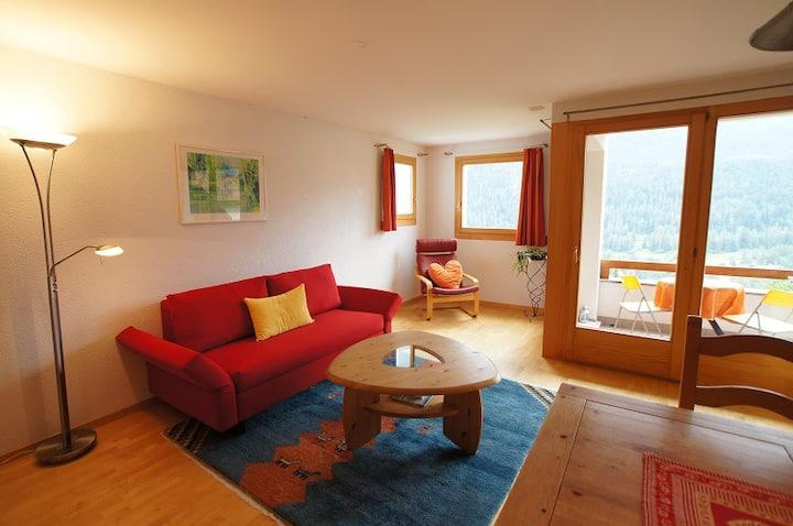 Ferienwohnung TRAFÖGL, (Scuol), 4 Personen / 2.5 Zimmer / 1 Schlafraum