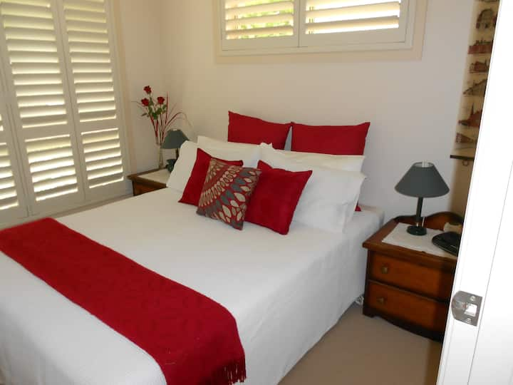 Bedroom Available for Travellers