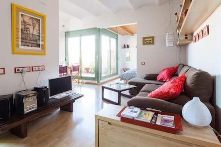 Penthouse loft-wifi-terrace, Gracia