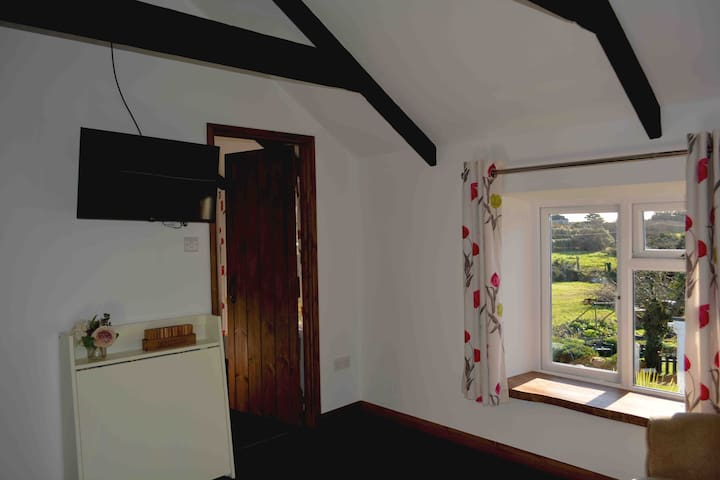 Newly renovated barn conversion 10mins from town