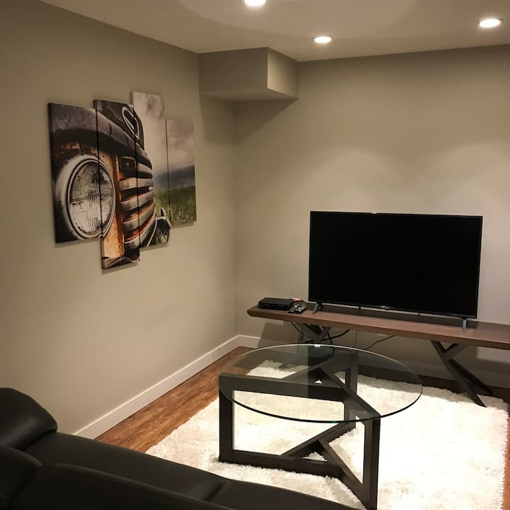 Saili's sweet suite off Whyte Avenue