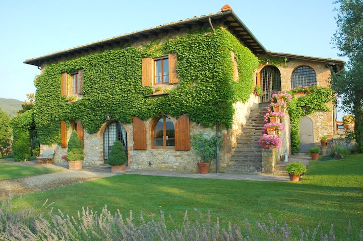 Chianti Villa in Tuscany near Siena & Arezzo