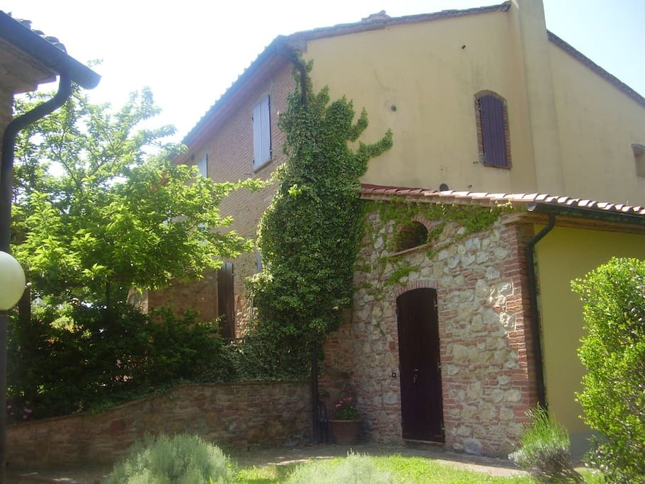 Farmhouse in the Tuscan countryside