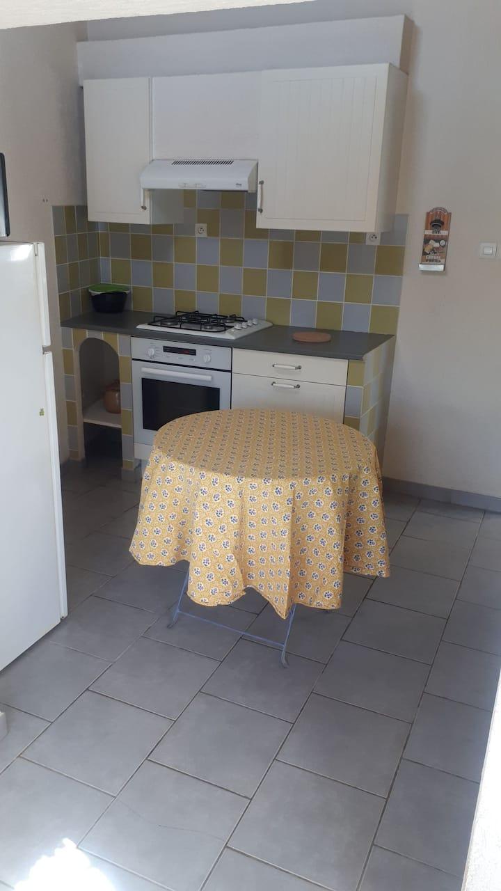 Appartement à 15 mn d Aix en Provence