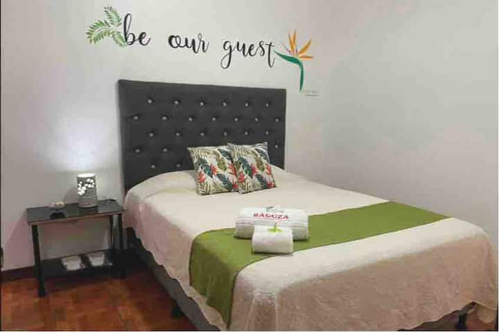 Just 5 minutes from SJO - Int. Airport, Alajuela