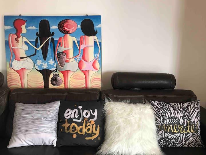 Cosy room near Holland Village/INSEAD/NUS/OneNorth