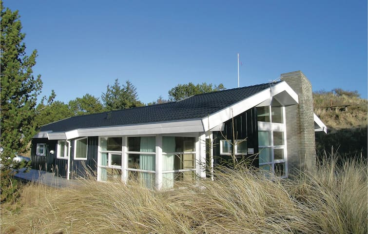 Holiday cottage with 3 bedrooms on 104m² in Skagen