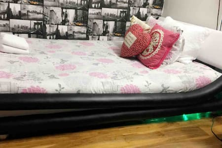 Spacious double room in city centre!