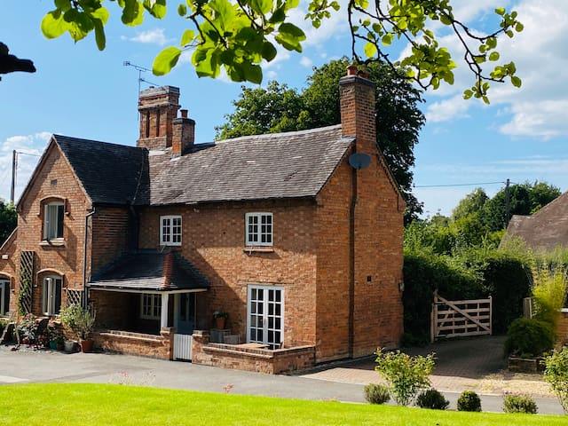 Graceland Cottage