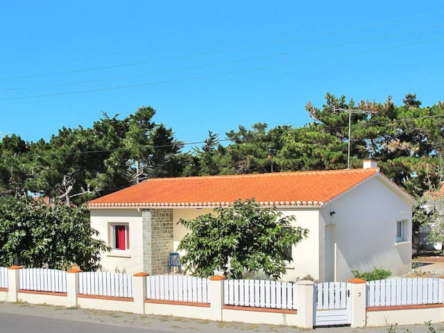 Holiday home in Bretignolles-sur-Mer for 6 persons