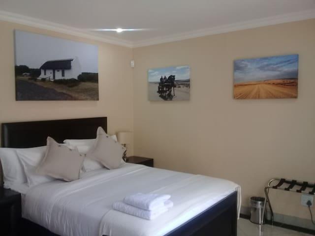 Ametis Guest House - Queen Garden View Room