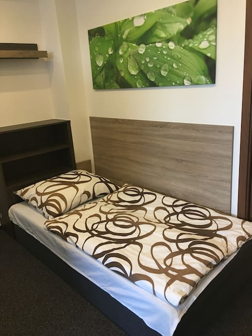 Separate bed