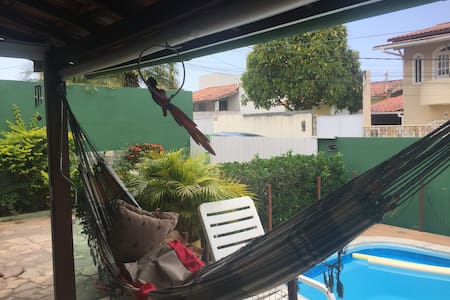 Edícula c/piscina, hidro e ar condicionado - Lauro