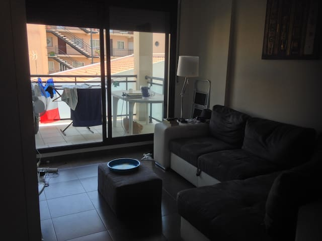 Private bedroom in well located and new appartment - L'Hospitalet de l'Infant - Apartament