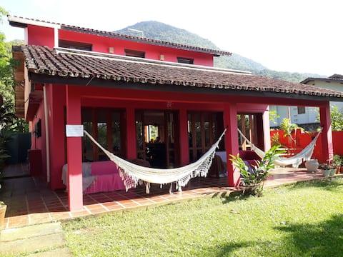 Ubatuba Surf Hostel CR- Dorm. compartilhado c/ ar.
