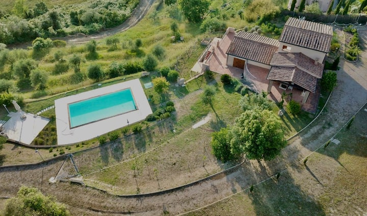 Villa Montegemoli - with pool and incredible view