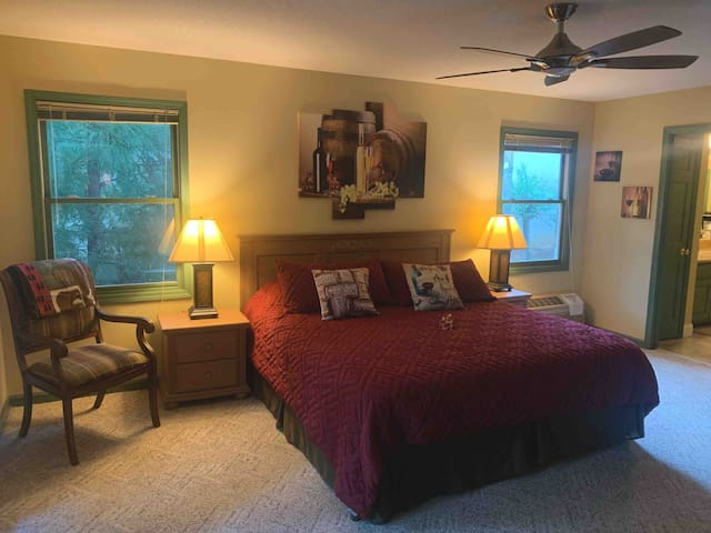 Mt Yonah Suite@Lodge 55-Elegant Mountain Retreat