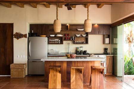 3 Bedroom Beach Front Luxury Villa in Las Palmas - Zihuatanejo