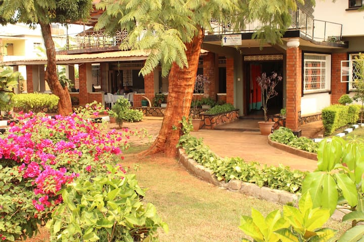 Arise Africa Christian Guest House SINGLE BED ROOM
