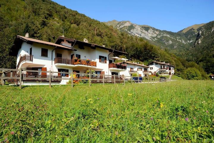 Maison de vacances avec vue sur le lac à Mezzolago, Italie