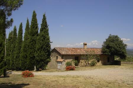 Traumhaus auf Weinberghügel 11 km von Siena - Pievasciata