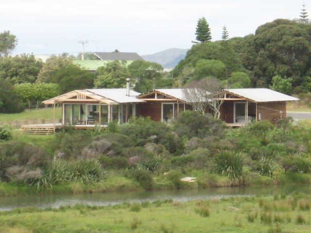 Gorgeous Coromandel Beach House - Whangapoua - House