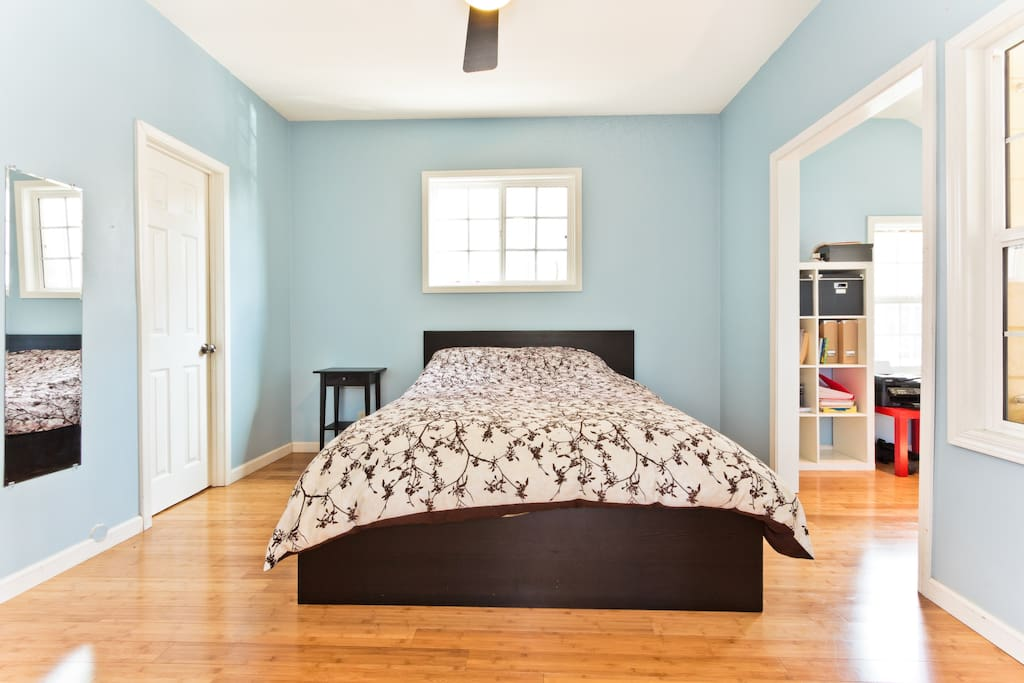 Master Bedroom has Queen Bed with New Organic Hypo-Allergenic Mattress.