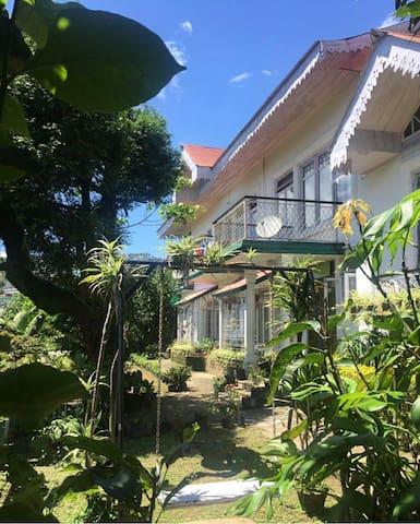 Bumtar Villa